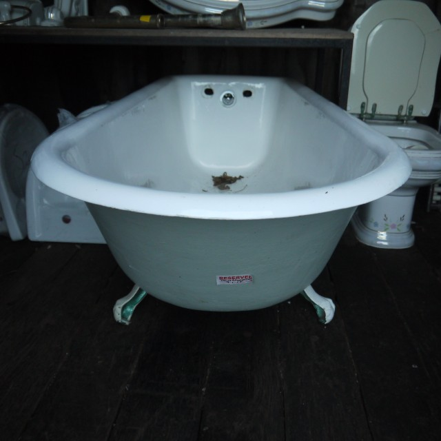 Roll Top Baths Bathrooms