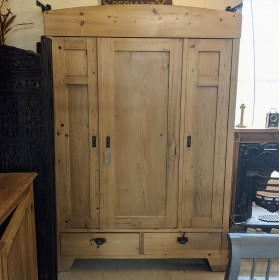 Large Pine Wardrobe Bedroom Furniture