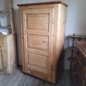 Larder Cupboard with Drawer Cupboards and Larders