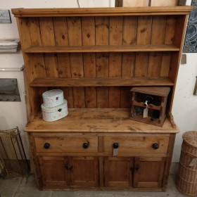 "5ft2"" Pine Victorian Dresser Sideboards and Dressers"