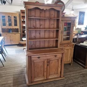 Dresser Sideboards and Dressers