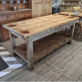 Kitchen Island Tables and Islands