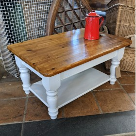 Medium Coffee Table Tables and Islands