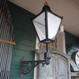 Large Lamp Top & Bracket Lamp Posts and Tops