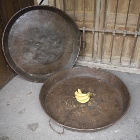 Huge 'Paella' Plates Oddities