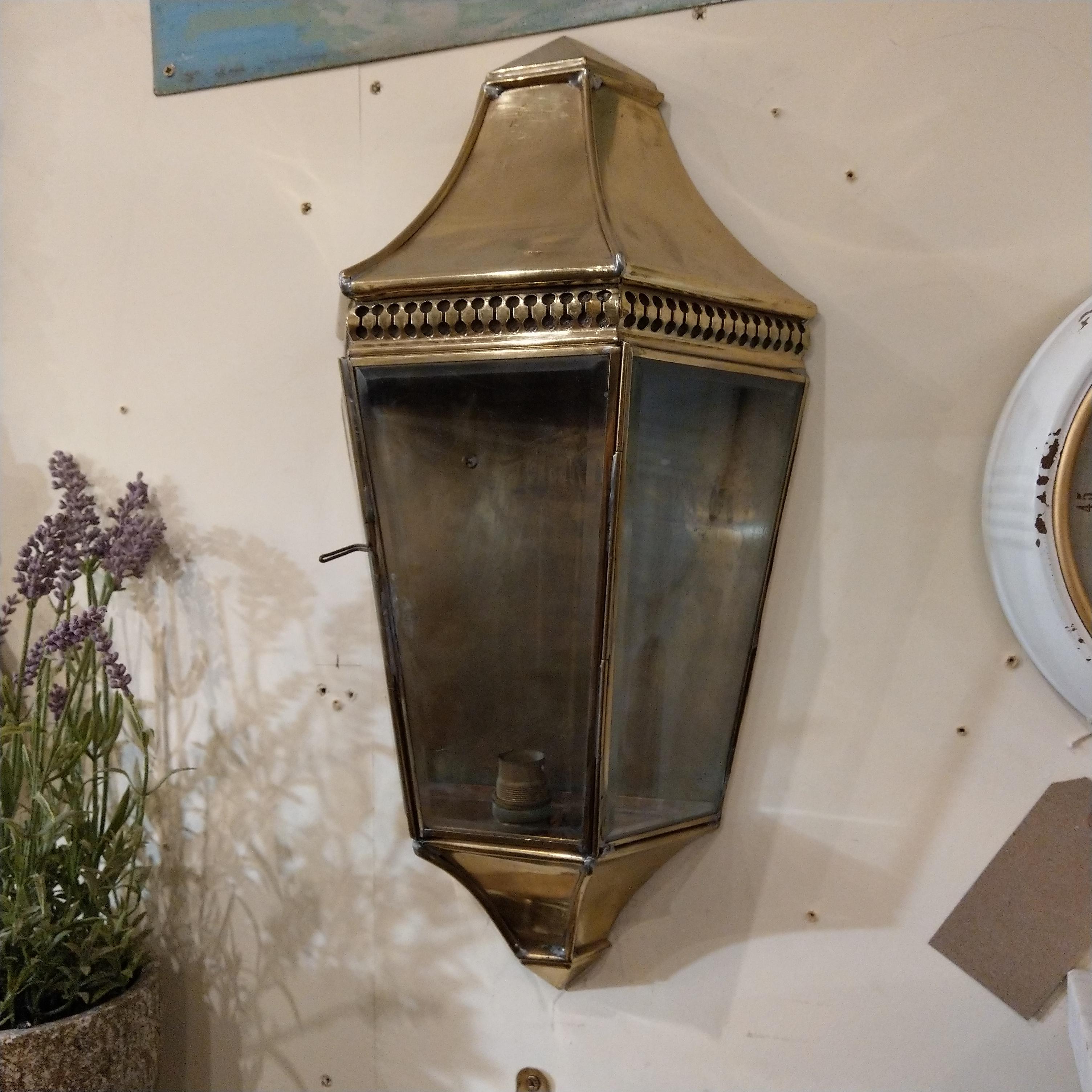 Victorian Style Br Porch Light